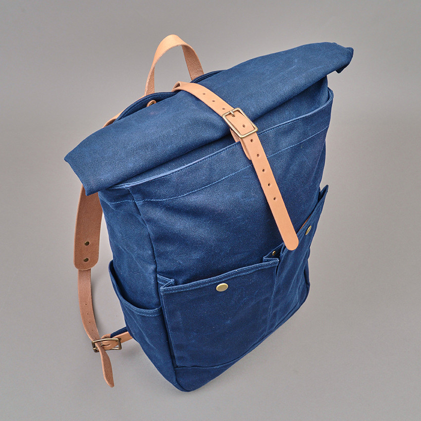 Roll-Top Rucksack von Winter Session (blau)