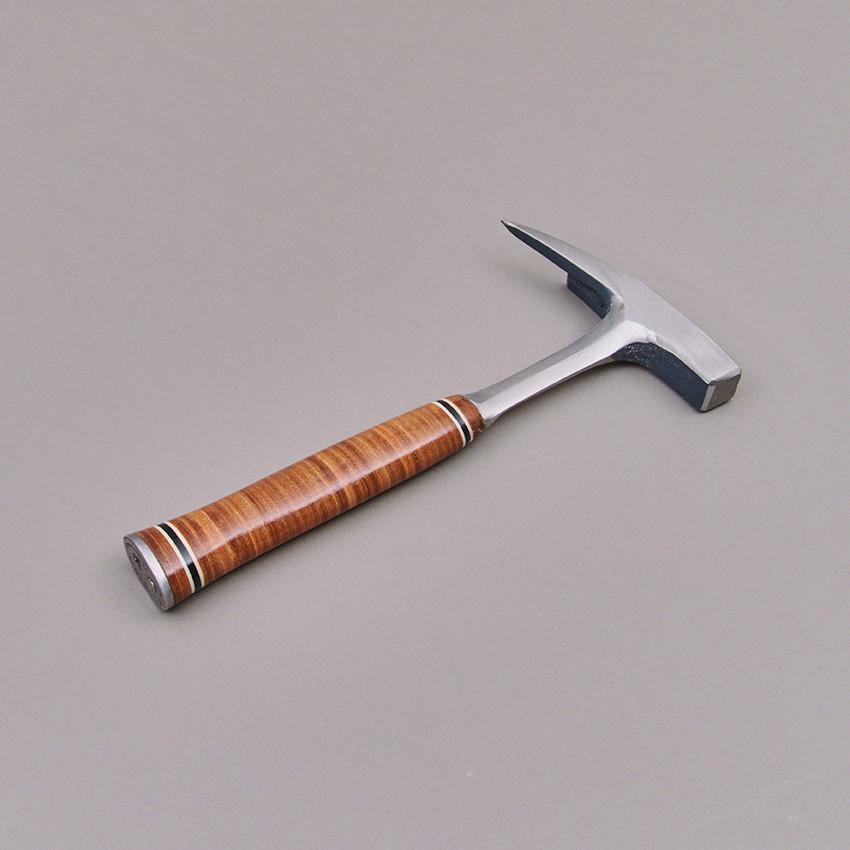 Estwing Dachdecker-/ Spitzhammer