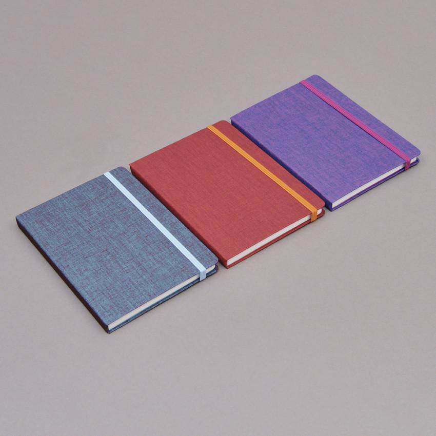 Schlichte leinengebundene Notizbücher A6