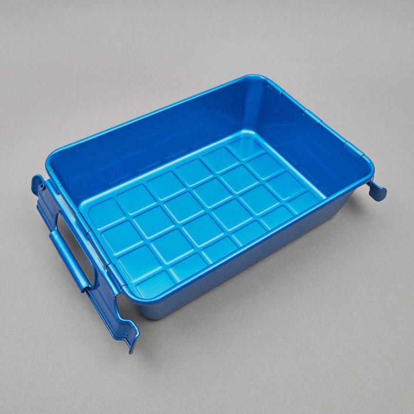 Stapelbare Metallkiste in blau