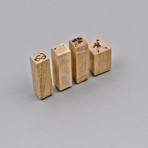 Stempel mit Holzgriff in 4 Sujets